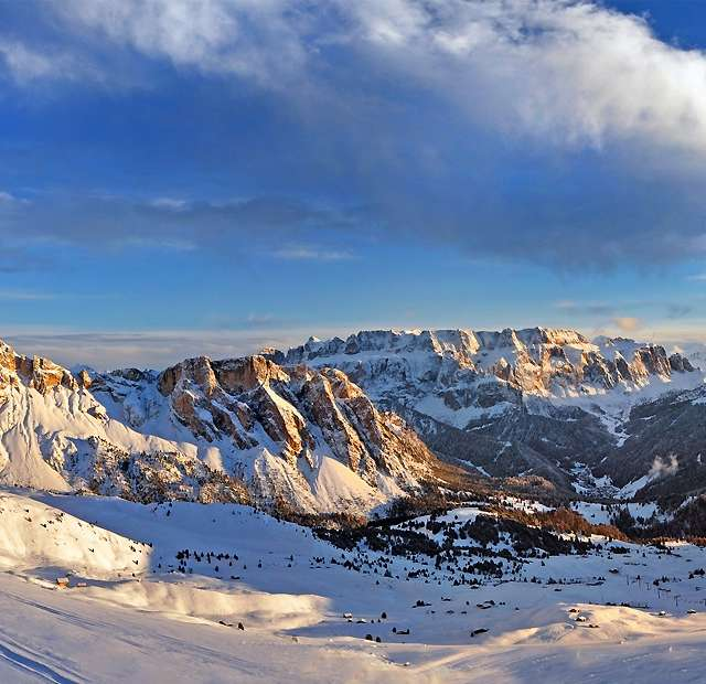 The Sella Ronda - Magnificent skiing experience!